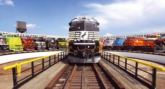 Norfolk Southern boosts agility with 24/7 data access