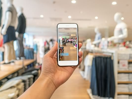 Retail mobile innovation soars: 3 reasons AR apps may yield CX success