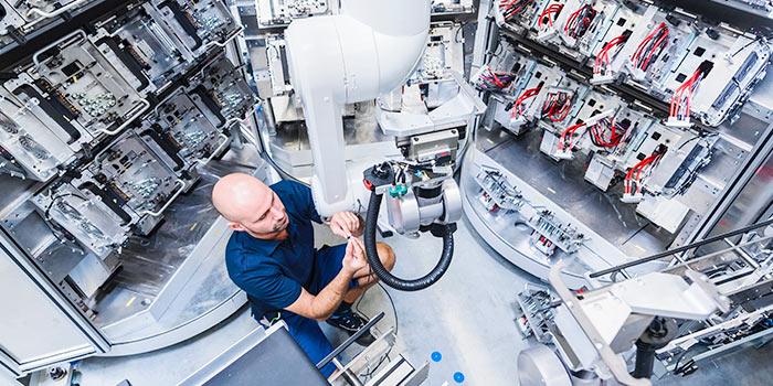 Gain insights into asset health with prescriptive maintenance using iot and industry 4.0 solutions