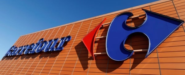 Carrefour's shop facade