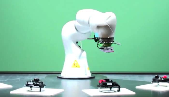 robot arm visual