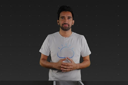 Sai Venamm mit IBM Cloud-Shirt