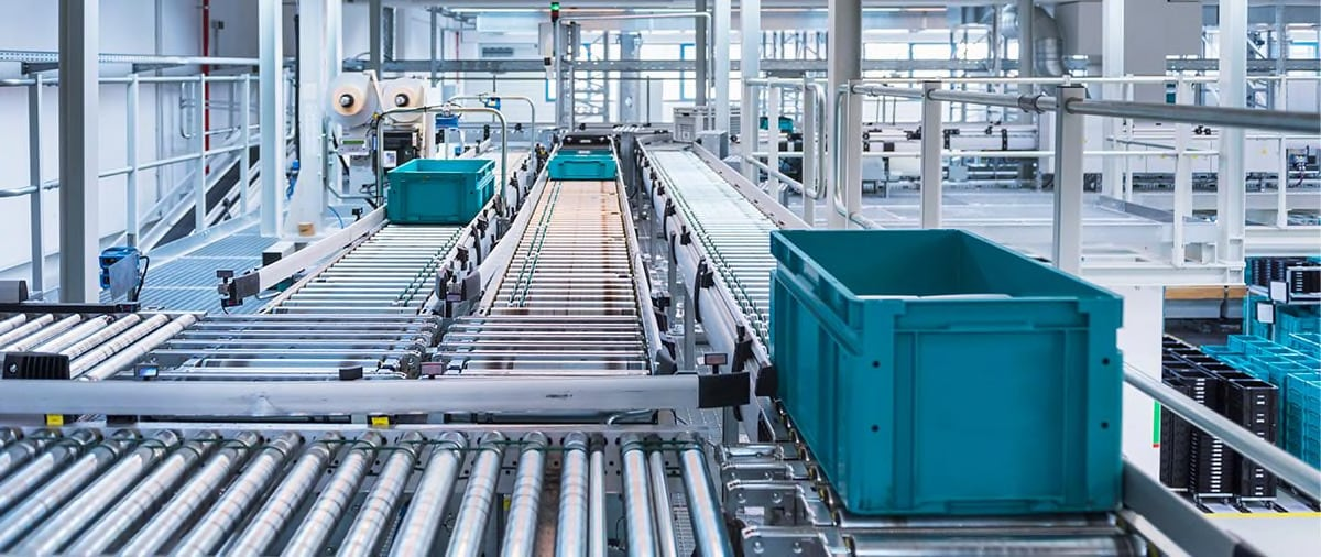 Conveyor line in a factory