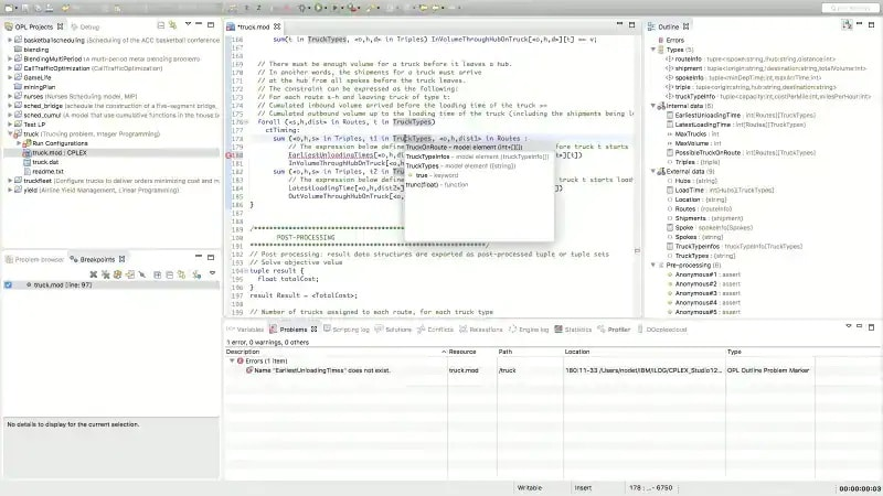 Screenshot showing the syntax checking and auto-completion process++